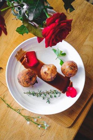 Myanmar desserts - Fried Sticky Rice Balls