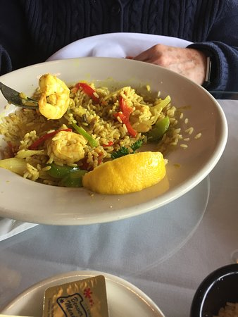 Isaac's on the Waterfront: Shrimp curry with a nice flavor