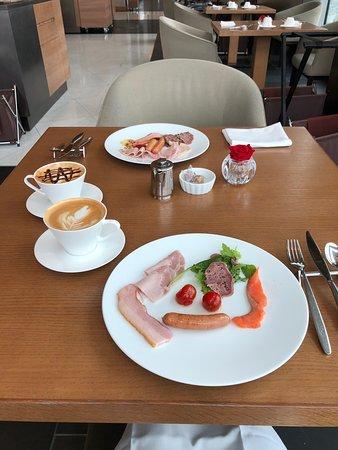 The Prince Gallery Tokyo Kioicho, A Luxury Collection Hotel: Oasis Garden早餐