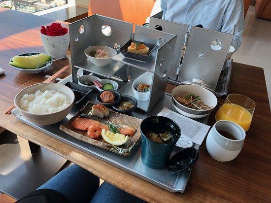 The Prince Gallery Tokyo Kioicho, A Luxury Collection Hotel: Souten Washoku日式早餐