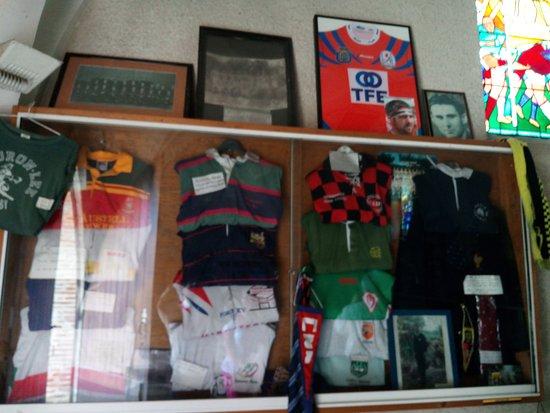 Grenade-sur-l'Adour, Frankrike: vitrine de maillots
