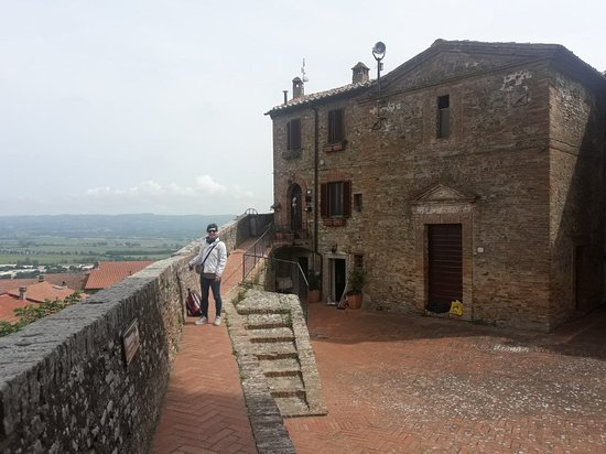 Castello di Fabro
