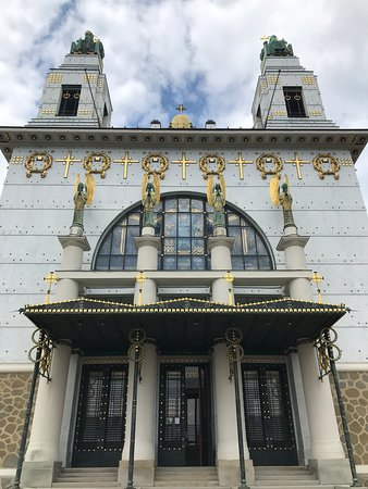 Kirche am Steinhof (front)