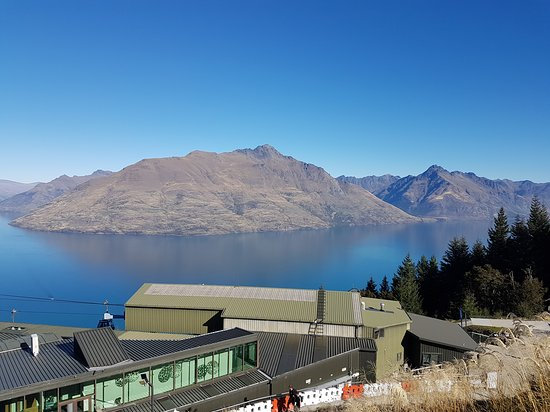 Restaurante y telecabina Skyline en Queenstown: Lake Wakatipu