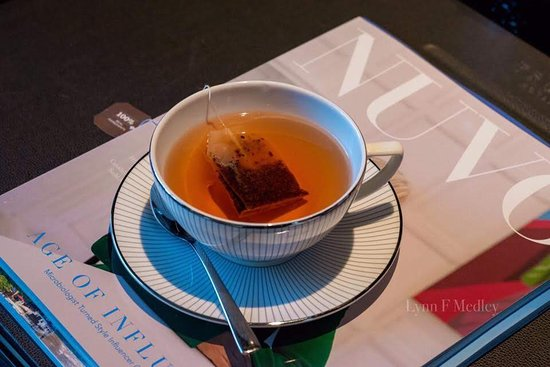 Trump International Hotel & Tower Vancouver: A cup of hot tea in a porcelain tea cup. 😊