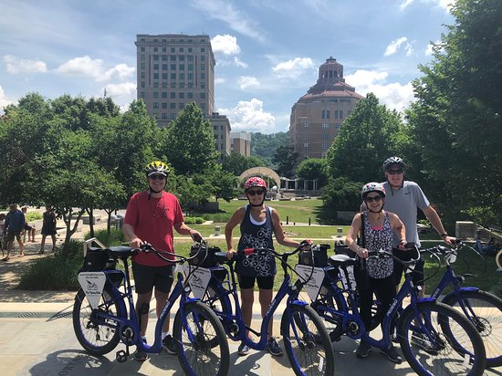 Asheville Historic Downtown Guided Electric Bike Tour with Scenic Views: Last stop on the tour was in a beautiful park in the center of the city.  Torin is happy to take photos which is very much appreciated!