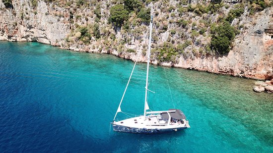 Sail in Kas yacht tours with crew