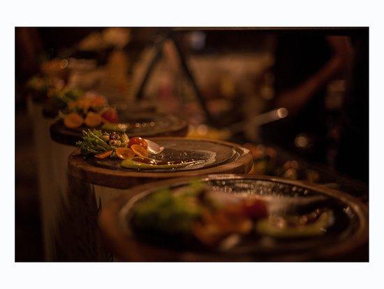 Nixtamal: Platos listos para montar el servicio ___________________  Dishes ready to be assembled and served