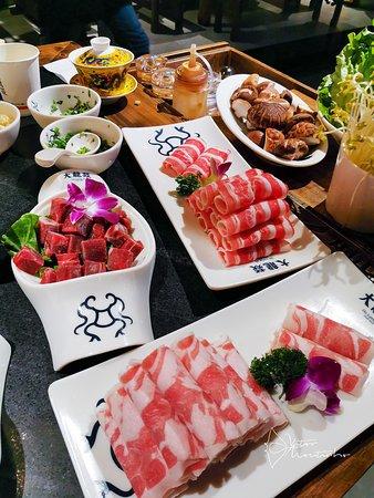 Da Long Yi Hot Pot Restaurant: Lamb Meat