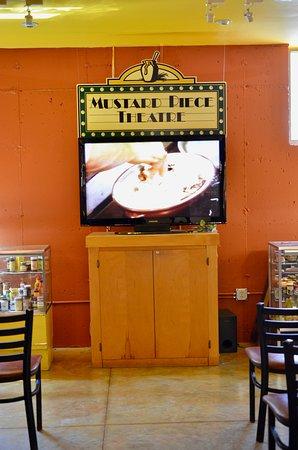 National Mustard Museum: Mustard Piece Theatre