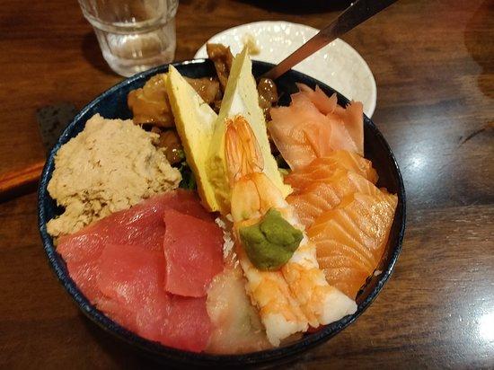 Sakura Inn: Sashimi Sushi Bowl