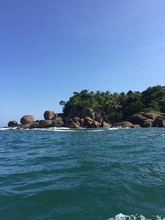 Felix Beach: Lado sul da praia, em que fica o acesso para praia do português.
