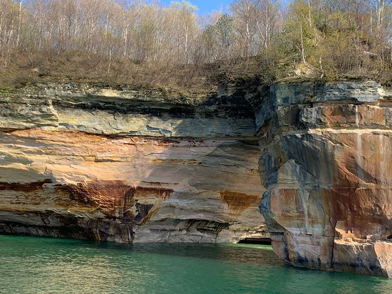 Pictured Rocks Cruises: May 26, 2019