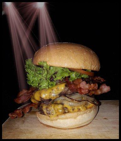 Burger Bar: DoubleBeefBaconBurger