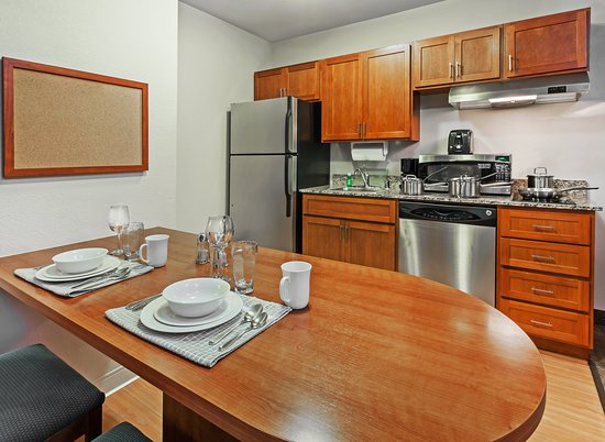 Candlewood Suites El Paso North: Guest room