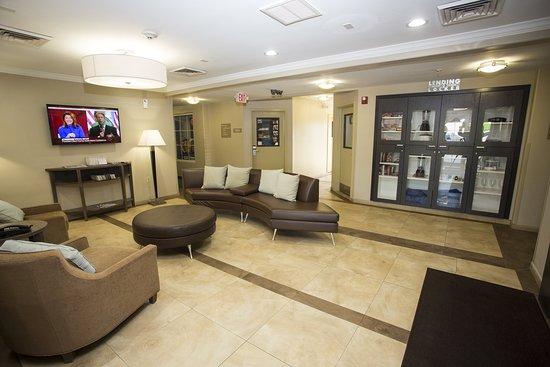 Candlewood Suites Nederland: Lobby