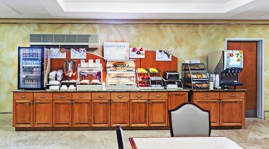 هوليداي إن إكسبريس هوتل آند لافيتي ساوث: Restaurant