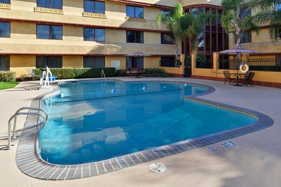 Holiday Inn Sacramento Rancho Cordova: Pool