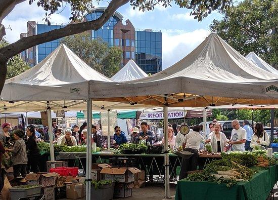 Cerritos Farmers Market