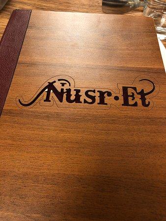 Nusr-Et Steakhouse Sandal Bedesteni Resmi