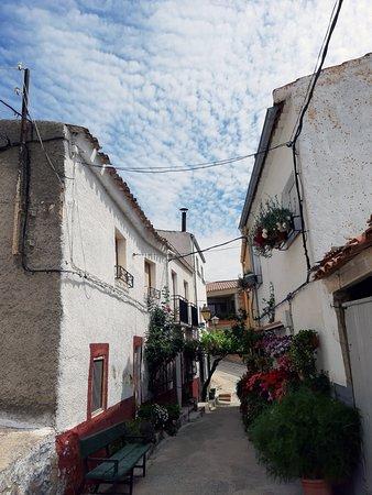 Yeste, Spania: Una pequeña calle pero muy bonita