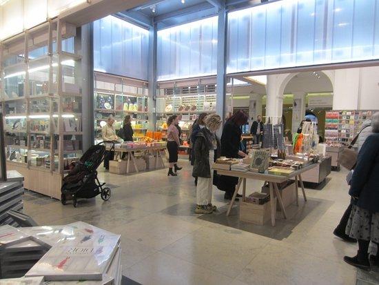 The V&A Gift Shop