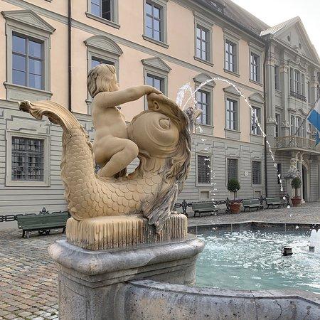 Eichstätt: Kleiner Brunnen am Residenzplatz
