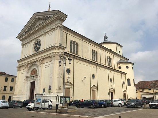 Chiesa Parrocchiale dei SS Vito, Modesto e Crescenzia