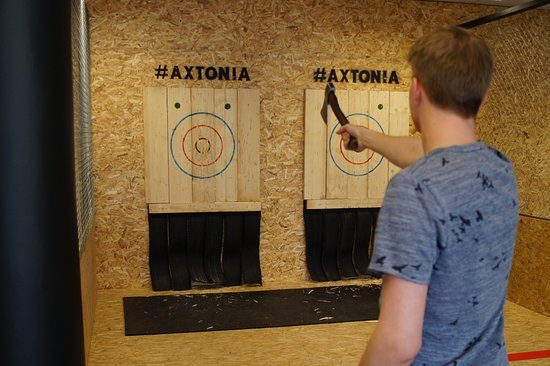 Axtonia - Tallinn Axe Throwing