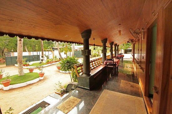 Entrance - Picture of OYO 8839 Beach Village Resort, Punnapra - Tripadvisor