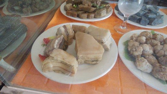 Turpan, Китай: 料理のような天然石