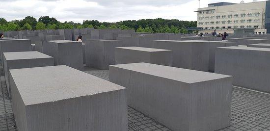 La vista di destra del memoriale