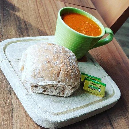 Mostyn, UK: Homemade Soup & Roll