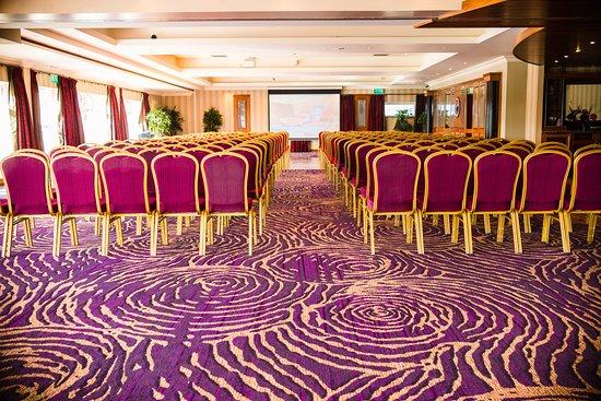Knightsbrook Hotel & Golf Resort: Gulliver Suite - Natural Daylight