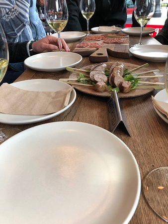 Healdsburg Small-Group Food and Wine Walking Tour: Another stop on our tour