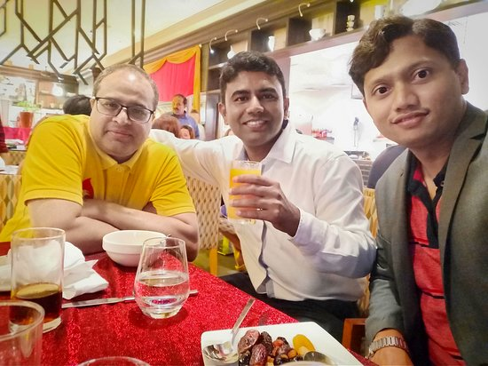The Talk Restaurant: Iftar with friends