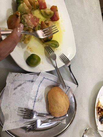 Una delicia muy recomendada  Atención de los camareros de lo mejor  Y comida sin palabras 😶  Normal que no haya sitio es una pasada de bar