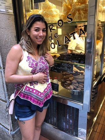 Xurreria Dels Banys Nous: Best churros ever hands down!!!! Gone 3 times in two days 8)