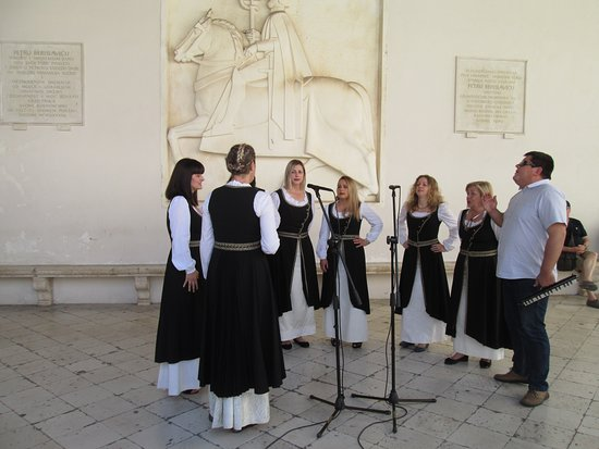 The klapa singers in the square at Trogir