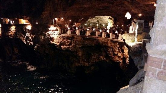 Ristorante Grotta Palazzese: particolare della grotta