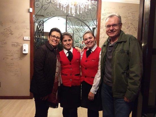 QPalato Restaurante: Daise e Carol, foi um prazer ser atendidos por vocês. 