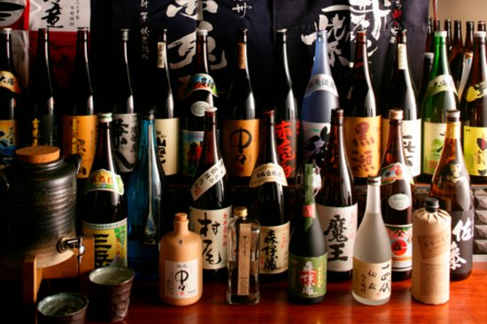 Imozo Shinagawa Honten: 種類豊富に焼酎を取り揃え