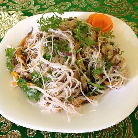 Nhà hàng Organic Susu Xanh: Mì dưỡng sinh xào