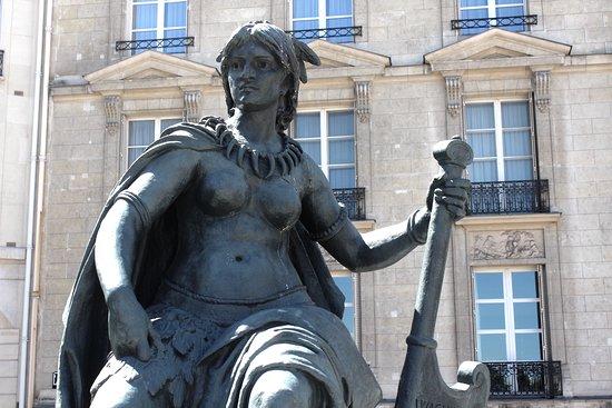 Statue de l'Amérique du Nord , détails