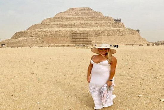 Cairo Layover Tour to Giza Pyramids and Saqqara with Qualified tour guide: Cairo Layover Tours to Giza Pyramids and Saqqara