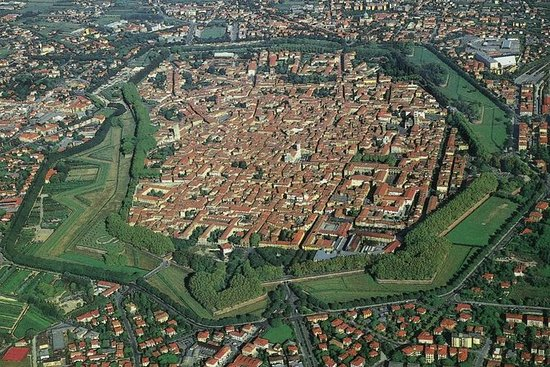 Recorrido a pie de Lucca