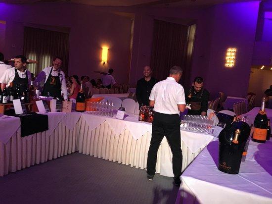 Ostria Resort & Spa: Soirée Gala avec le Chef dur Bar Dimitri et Pierre le Sommelier