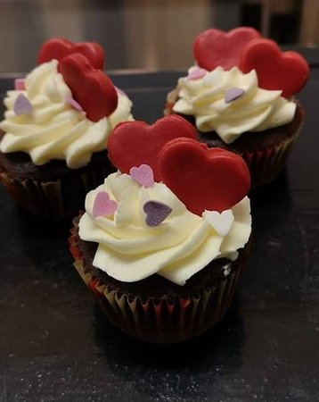 The Willow Tree Cafe: Handmade Cupcakes For Valentines Day