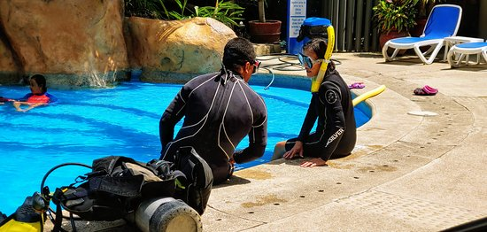 Confined water dive.