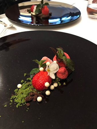 Nagaya: strawberry combo, different tastes and textures
